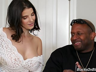 Kinky Lasirena works on two Herculean black cocks at in the past during threesome