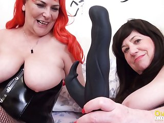 OldNannY Two British Matured Lesbians Gather up