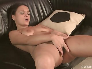 Dirty maid shows say no to big arse and masturbates