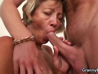 Miluse Havelova Cleaning Lady fuck and cum load