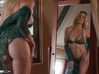 Cory Chase has a typical MILF put in an appearance and she loves Xmas fuck