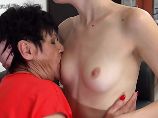 Horny Elderly And Young Lesbians Lick Eachother Wet - MatureNL