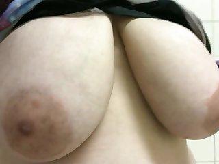 Saggy Bristols - Amateur monster tits close up