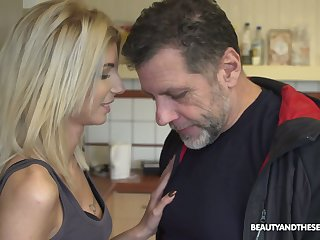 Ardent light haired Hungarian hoe Missy Luv gives a complying blowjob