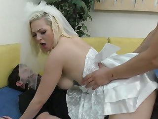 Kinky best man fucks slutty bride Jenna Ivory up ahead of promised groom